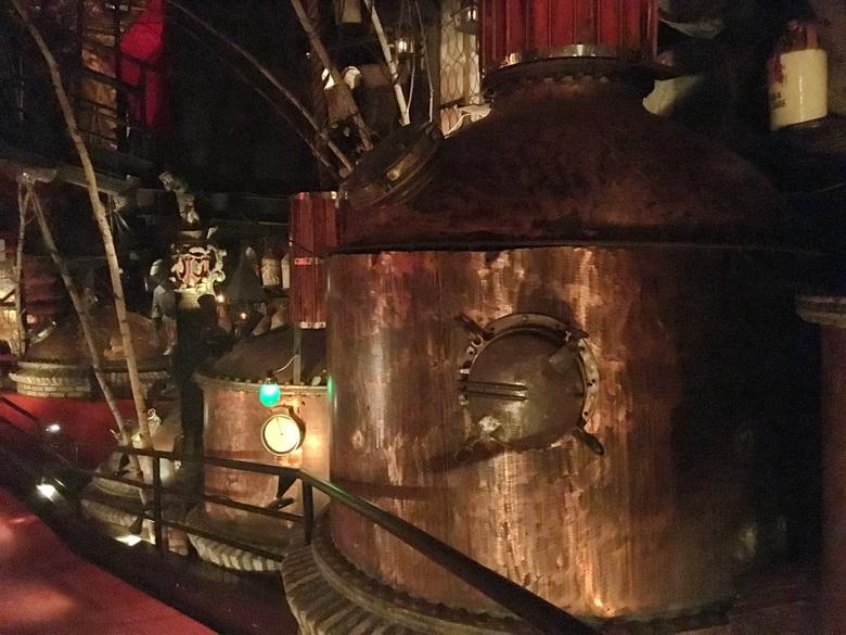 אוסף ענק של אביזרי ממבשלות בירה