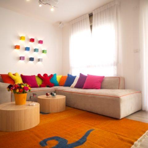 דירה צבעונית למשפחה מאושרת מהרצליה
