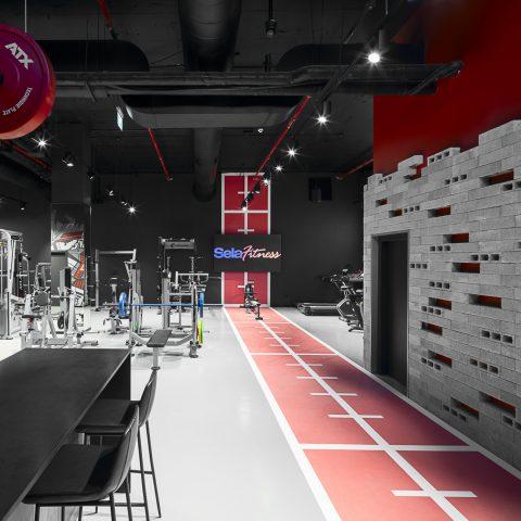 Sela Fitness מתחם למכירות מכשירי כושר מתקדמים